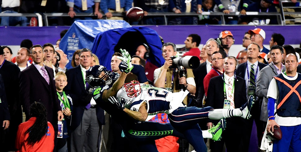 Jermaine Kearse of the Seattle Seahawks makes a catch over Malcolm Butler in the fourth quarter of Super Bowl XLIX. (Photo by Harry How/Getty Images)