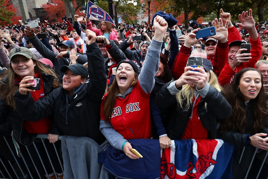 BOSTON, MA - OCTOBER 31:  Fans cheer during the 2018 Boston Red Sox World Series victory parade on October 31, 2018 in Boston, Massachusetts. (Photo by Adam Glanzman/Getty Images)