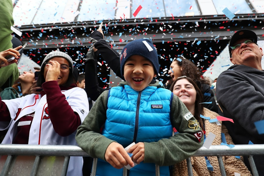 BOSTON, MA - OCTOBER 31:  Spectators react during the 2018 Boston Red Sox World Series victory parade on October 31, 2018 in Boston, Massachusetts. (Photo by Adam Glanzman/Getty Images)