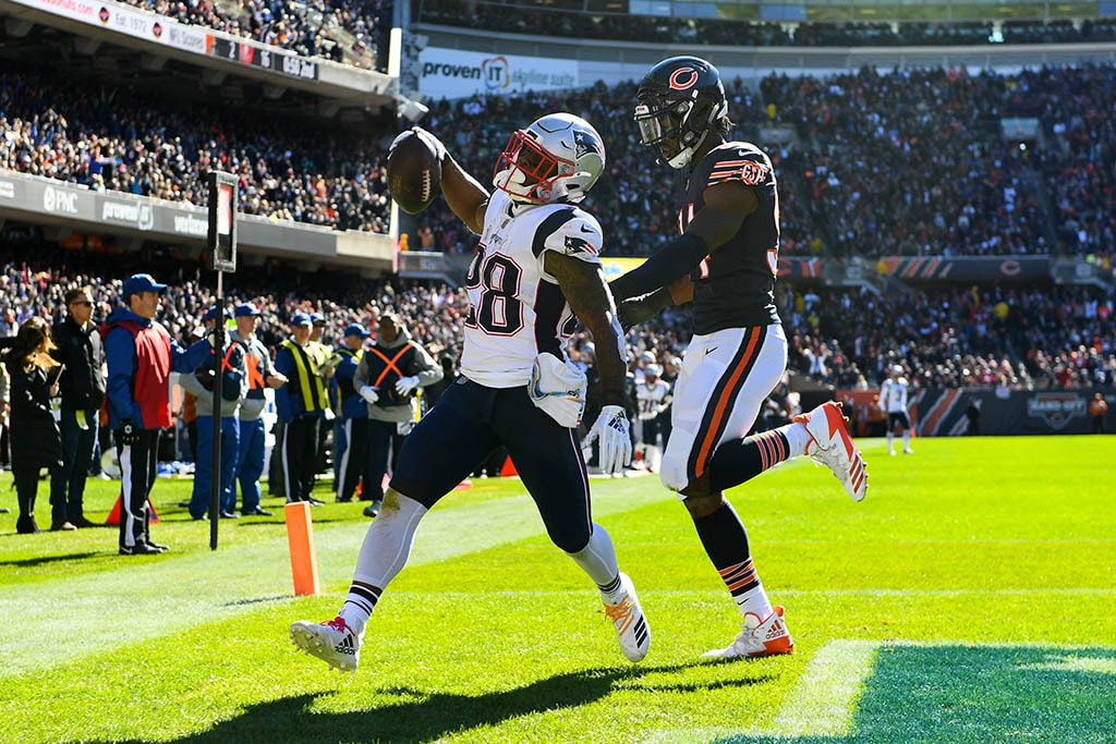 Oct 21, 2018; Chicago, IL: New England Patriots running back James White makes a touchdown catch against Chicago Bears outside linebacker Leonard Floyd during the first half at Soldier Field. (Mike DiNovo-USA TODAY Sports)