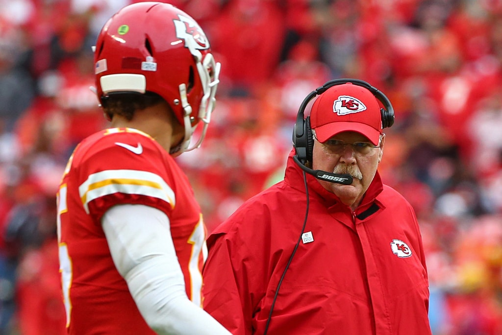 Oct 7, 2018; Kansas City, MO: Kansas City Chiefs head coach Andy Reid talks with quarterback Patrick Mahomes in the second half against the Jacksonville Jaguars at Arrowhead Stadium. (Jay Biggerstaff-USA TODAY Sports)