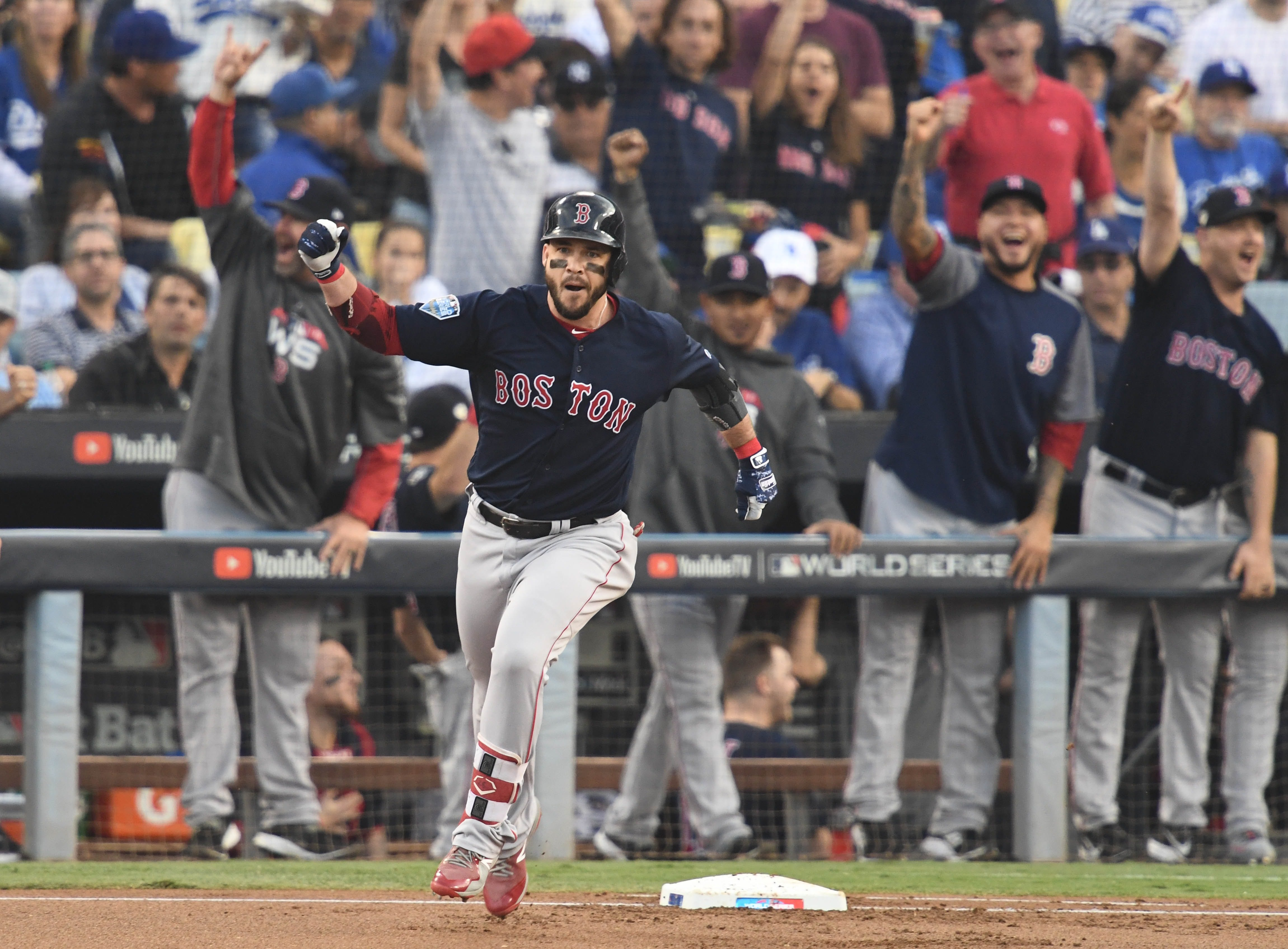 0bcb6a6fd91 Red Sox win World Series behind Price