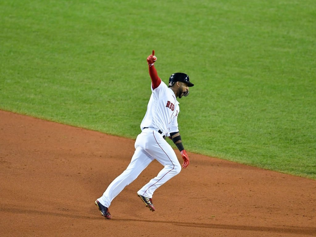 Report: Eduardo Nunez will pick up 2019 option, stay with Red Sox