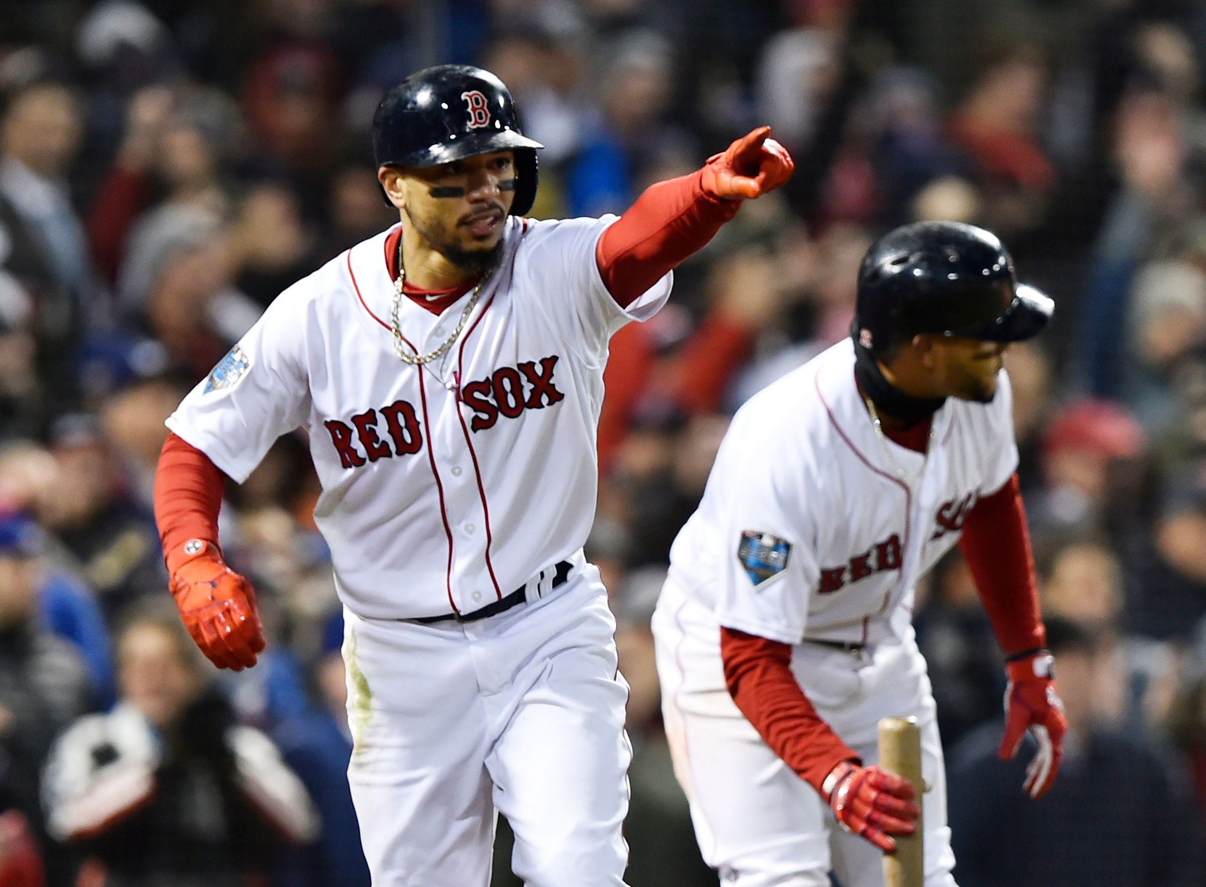 Red Sox, Dodgers reportedly talking Mookie Betts trade