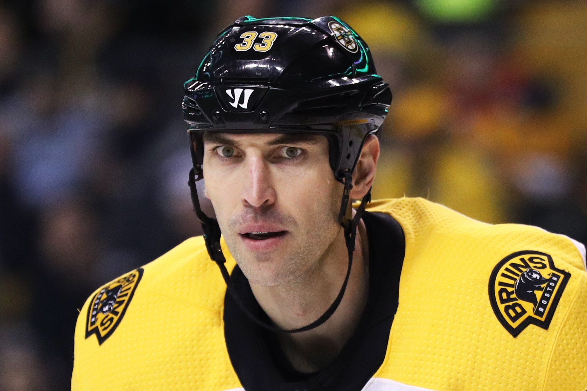 watch 7697e 8efbf Zdeno Chara is so big the Bruins don't have any non-contact ...