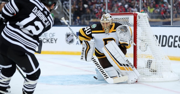 deb6370f3fe Final: Bruins 4, Blackhawks 2 in Winter Classic win; Rask makes 36 saves