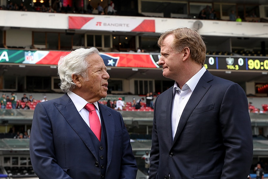 MEXICO CITY, MEXICO - NOVEMBER 19: New England Patriots owner Robert Kraft talks with NFL Commissioner Roger Goodell prior to the game between the New England Patriots and the Oakland Raiders at Estadio Azteca. (Photo by Buda Mendes/Getty Images)