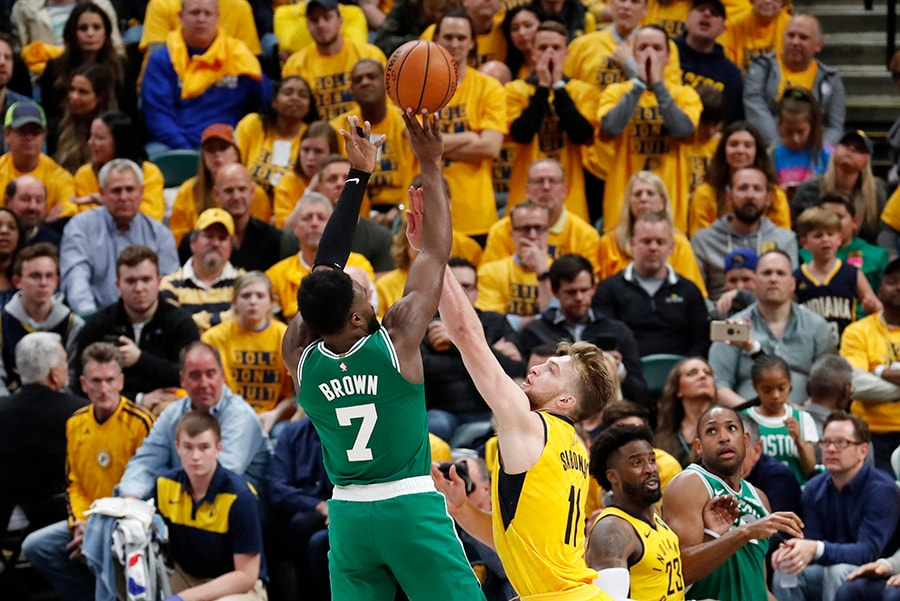 Jaylen Brown scores 23, Celtics take 3-0 lead with 104-96 win over Pacers