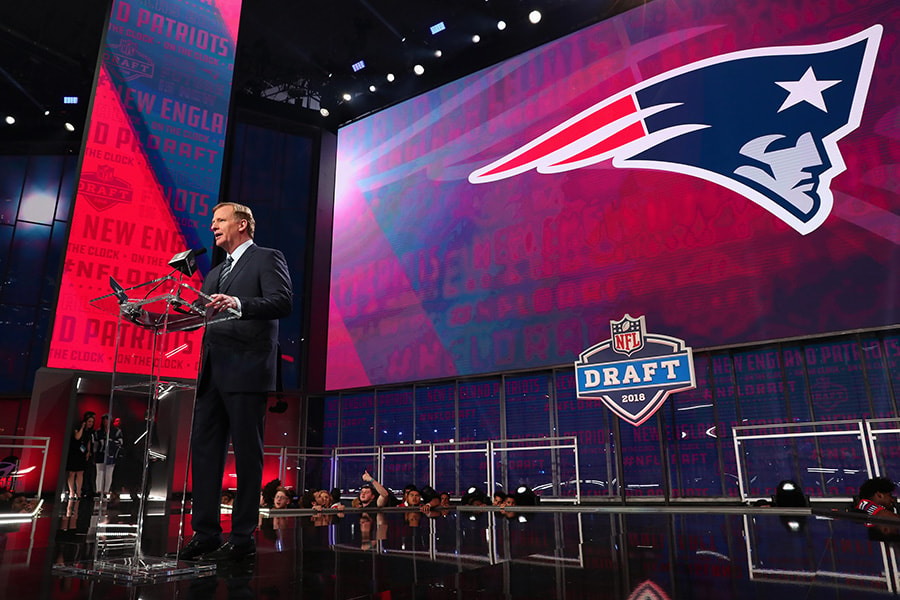 NFL Commissioner Roger Goodell announces a pick by the New England Patriots during the first round of the 2018 NFL Draft at AT&T Stadium on April 26, 2018 in Arlington, Texas. (Photo by Tom Pennington/Getty Images)