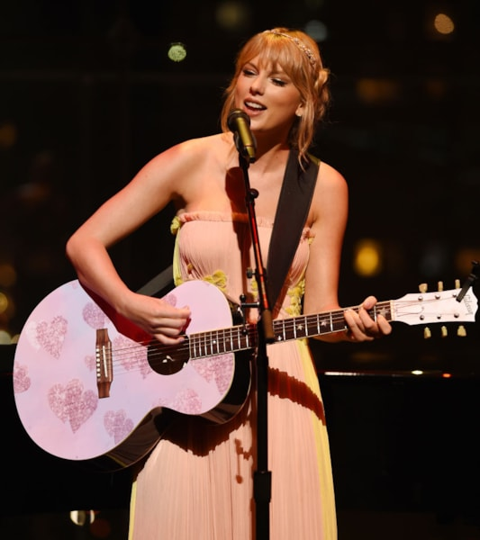 Taylor Swift gave a whopping $4M donation to the new education center at the Country Music Hall of Fame and Museum in Nashville back in 2012.She has also donated thousands to the music departments of various colleges around the country.