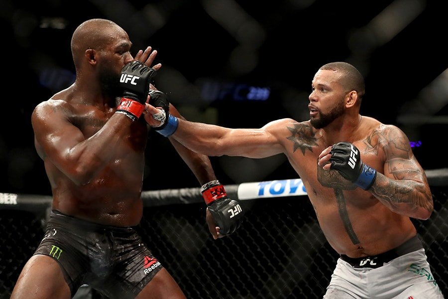 Thiago Santos tore basically his entire knee in his fight with Jon Jones, but still made it through five rounds