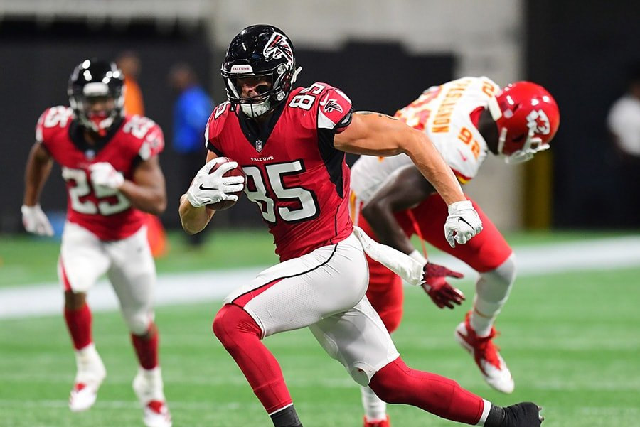 Patriots acquire tight end Eric Saubert from Falcons
