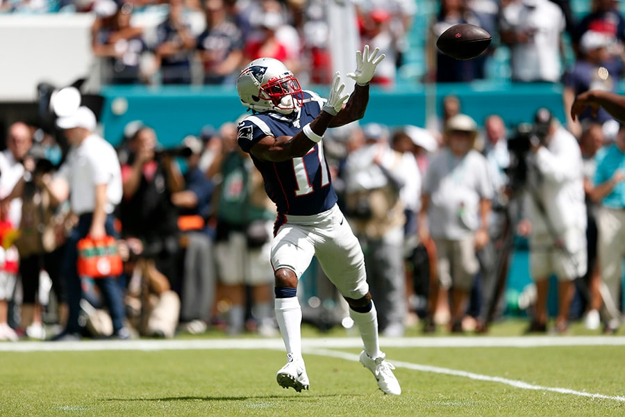 MIAMI, FLORIDA - SEPTEMBER 15: Wide Receiver Antonio Brown of the New England Patriots warms up prior to the game against the Miami Dolphins at Hard Rock Stadium on September 15, 2019 in Miami, Florida. (Photo by Michael Reaves/Getty Images)