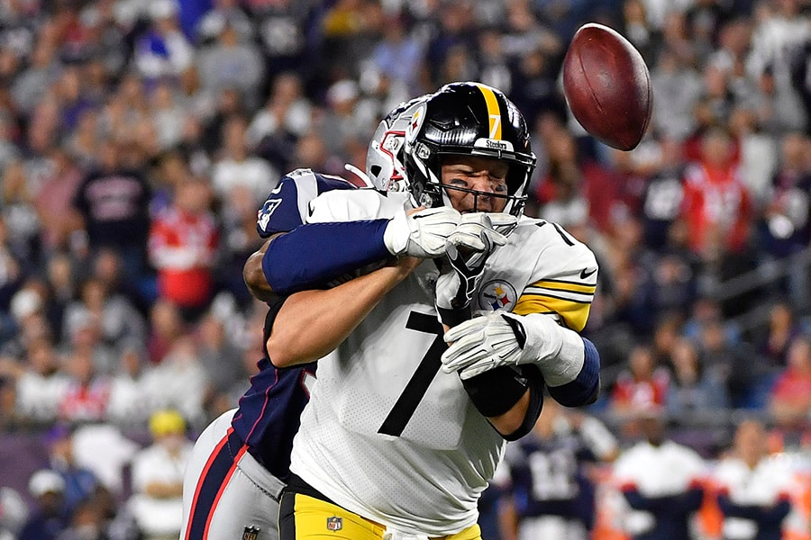 Ben Roethlisberger of the Pittsburgh Steelers fumbles the ball as he is hit by Deatrich Wise of the New England Patriots during the second half at Gillette Stadium on September 08, 2019 in Foxborough, Massachusetts. (Photo by Kathryn Riley/Getty Images)