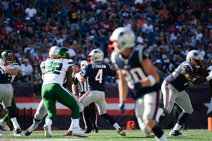 Jarrett Stidham of the New England Patriots throws the football in the fourth quarter against the New York Jets at Gillette Stadium on September 22, 2019 in Foxborough, Massachusetts. (Photo by Kathryn Riley/Getty Images)
