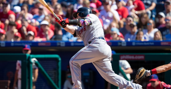 Christian Vazquez powers 6-3 win over Phillies