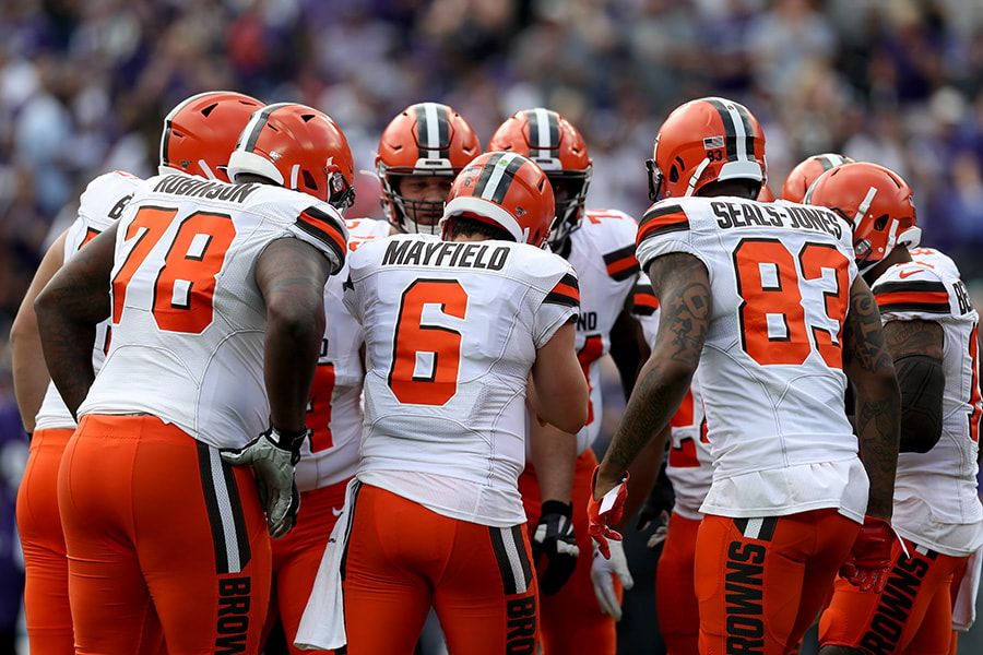 Quarterback Baker Mayfield of the Cleveland Browns calls a play in the huddle against the Baltimore Ravens at M&T Bank Stadium on September 29, 2019 in Baltimore, Maryland. (Photo by Rob Carr/Getty Images)