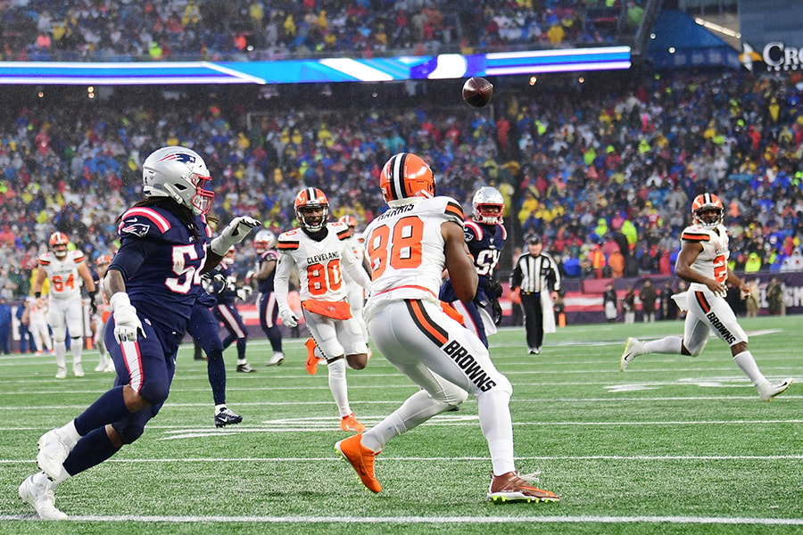 Tight end Demetrius Harris of the Cleveland Browns completes a pass to score a touchdown in the second quarter of the game against the New England Patriots at Gillette Stadium on October 27, 2019 in Foxborough, Massachusetts. (Photo by Billie Weiss/Getty Images)