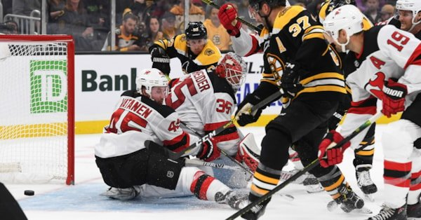 Bruins overpower Devils in home opener, 3-0