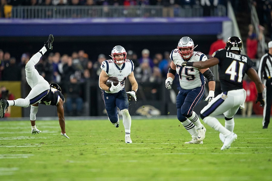 Patriots Rise & Fall: The biggest 'ups' and 'downs' from a 17-10 win over the Eagles