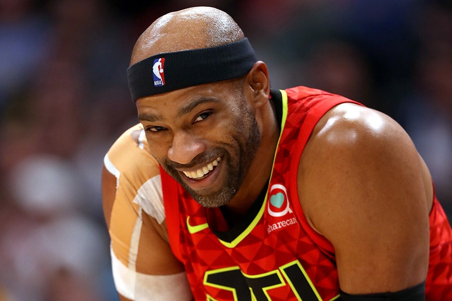 DENVER, CO - NOVEMBER 15: Vince Carter #15 of the Atlanta Hawks plays the Denver Nuggets at the Pepsi Center on November 15, 2018 in Denver, Colorado. NOTE TO USER: User expressly acknowledges and agrees that, by downloading and or using this photograph, User is consenting to the terms and conditions of the Getty Images License Agreement. (Photo by Matthew Stockman/Getty Images)