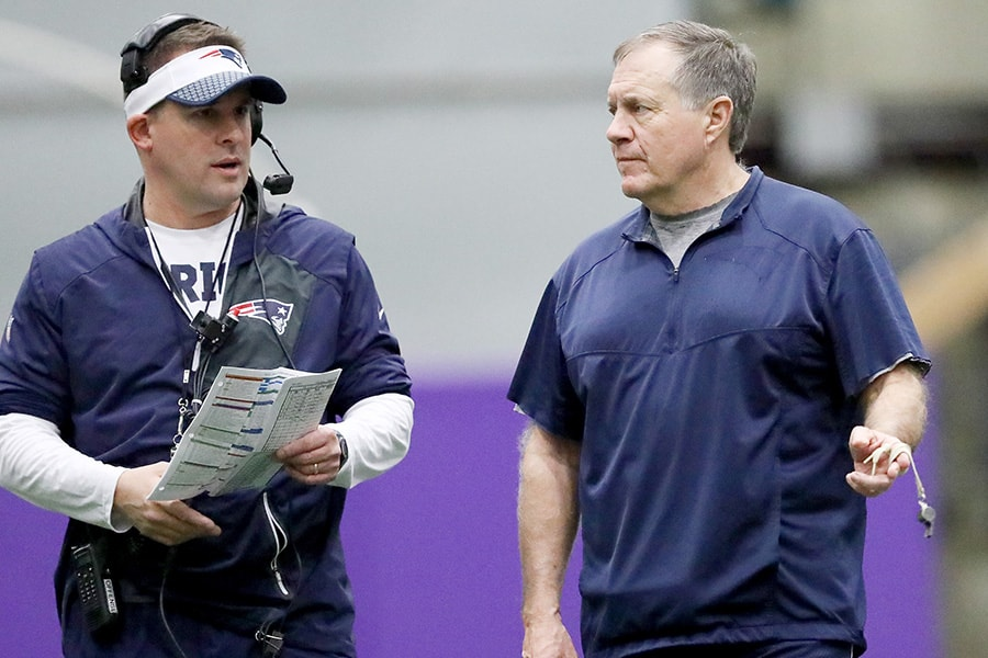 EDEN PRAIRIE, MN - FEBRUARY 02: Offensive coordinator Josh McDaniels and head coach Bill Belichick of the New England Patriots talks during the New England Patriots practice on February 2, 2018 at Winter Park in Eden Prairie, Minnesota. The New England Patriots will play the Philadelphia Eagles in Super Bowl LII on February 4. (Photo by Elsa/Getty Images)