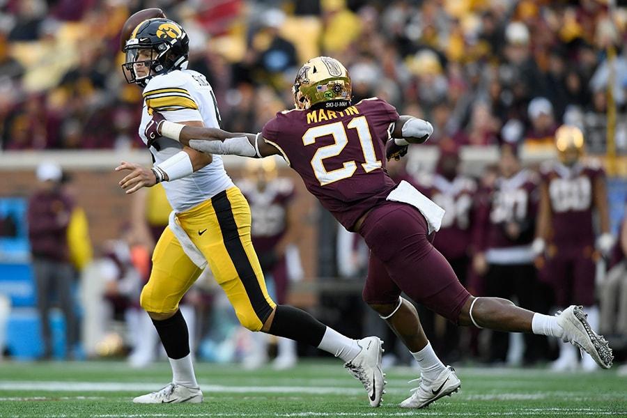 NFL Draft: Minnesota linebacker Kamal Martin is a selection on the Felger & Mazz Big Board.