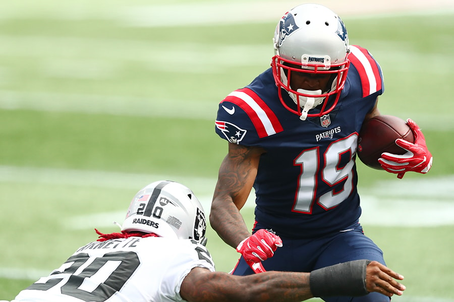 FOXBOROUGH, MASSACHUSETTS - SEPTEMBER 27: Isaiah Zuber #19 of the New England Patriots runs with the ball against the Las Vegas Raiders at Gillette Stadium on September 27, 2020 in Foxborough, Massachusetts. (Photo by Adam Glanzman/Getty Images)