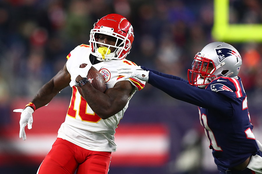 Jonathan Jones against Tyreek Hill will be one of the most important matchups when the Patriots play the Chiefs. (Photo by Adam Glanzman/Getty Images)