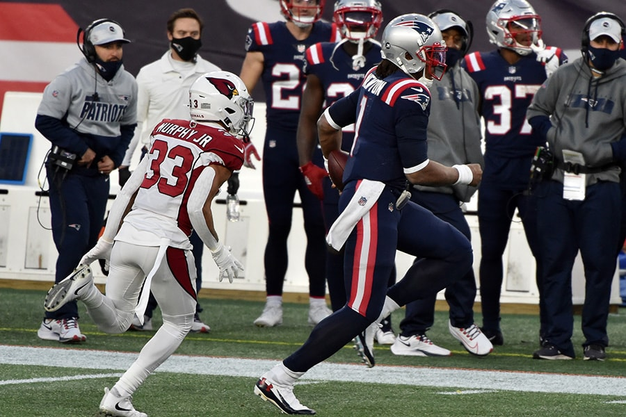The Patriots beat the Cardinals in spite of, not because of, Cam Newton. (Bob DeChiara-USA TODAY Sports)