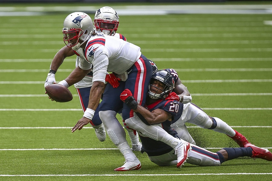 The NFL has the right intentions in proposing a replay review rule for roughing the passer, but it's the wrong solution. (Troy Taormina-USA TODAY)