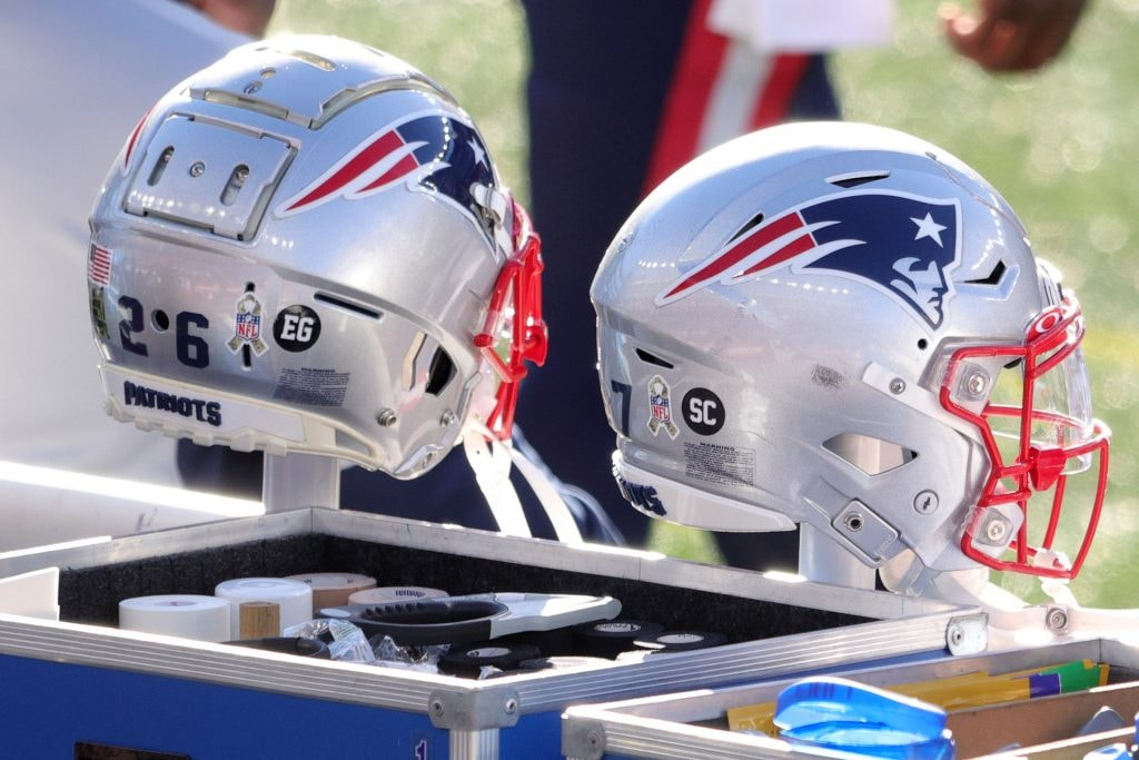 Two veterans miss Patriots practice on Thursday - 98.5 The Sports Hub