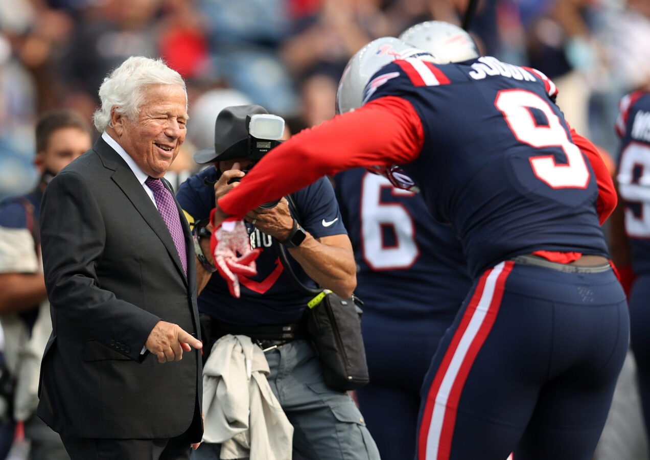 FOXBOROUGH, MASSACHUSETTS - SEPTEMBER 12: Owner Robert Kraft jokes with Matt Judon #9 of the New England Patriots prior to the game against the Miami Dolphins at Gillette Stadium on September 12, 2021 in Foxborough, Massachusetts. (Photo by Maddie Meyer/Getty Images)